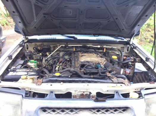 Engine compartment Nissan Xterra